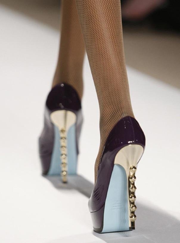 http://rawshoes.files.wordpress.com/2009/09/ruthiedetail.jpg?w=604&h=812