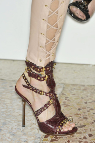Emilio-Pucci-Detail-spring-fashion-2010003_runway