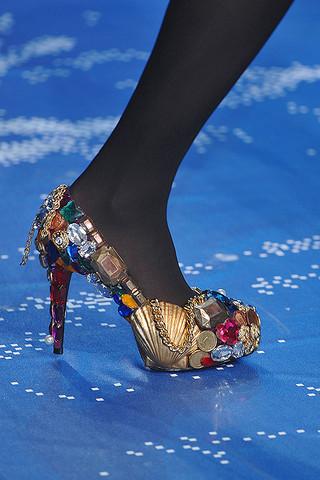 Jean-Charles-Castelbajac-Details-spring-fashion-2010-066_runway