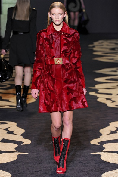 Versace Fall 2011 Milan Show