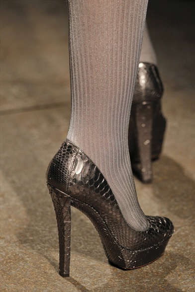 Donna Karan Fall 2011 N.Y Show, Pewter Snakeskin Pumps
