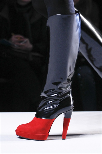 Viktor&Rolf Fall 2011 Paris Show, Black Patent and Red Suede Boot