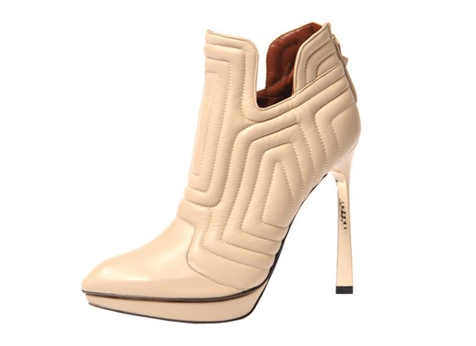 Baldinini Fall 2011, Beige Pointed-Toe Quilted Bootie