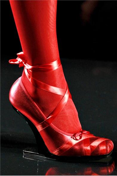 Jean-Paul Gaultier Fall 2011 Haute Couture Show