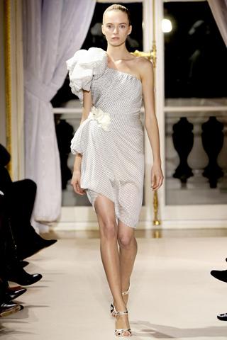 Giambattista Valli Spring 2012 Haute Couture Show