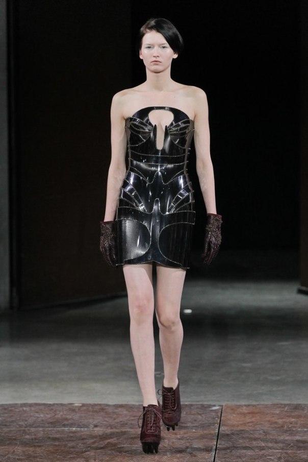 Iris Van Herpen Spring 2012 Haute Couture Show