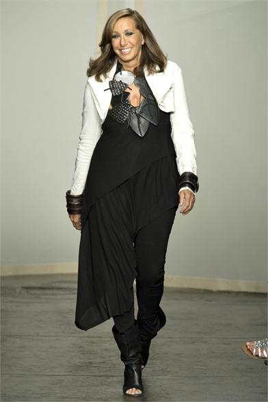 Donna Karan Spring 2013 New York Fashion Week Show
