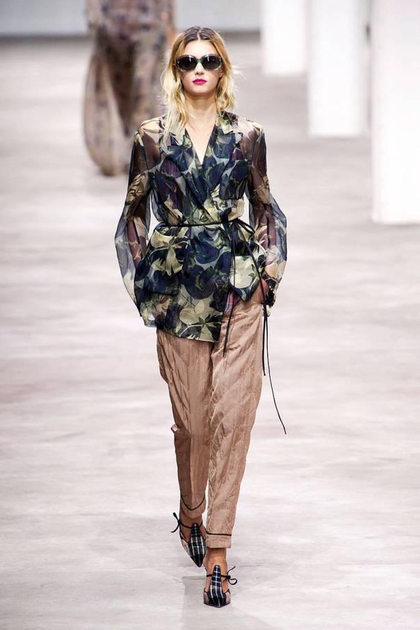 Dries Van Noten Spring 2013 Paris Fashion Week Show