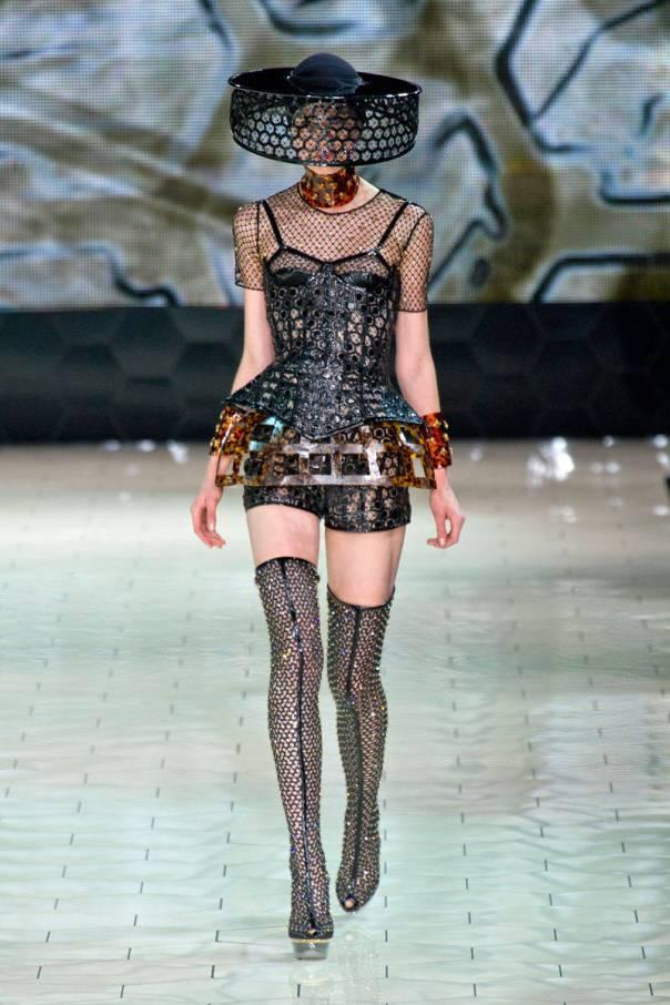 Alexander McQueen Spring 2013 Paris Fashion Week Show